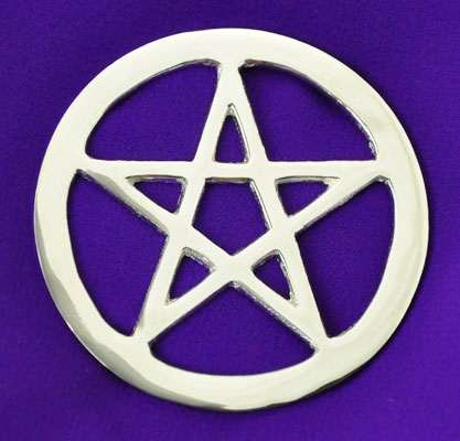the pentacle is a major symbol of wicca and witchcraft